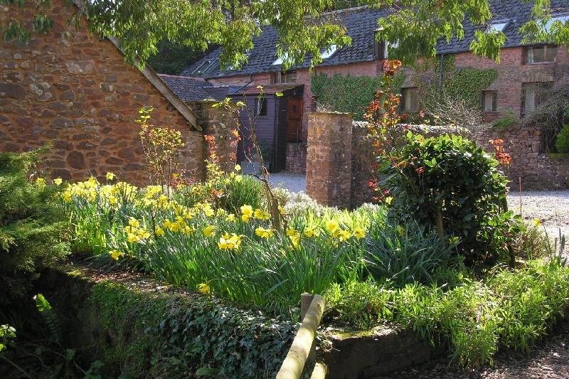 Short Break Holidays - Withycombe Cottage
