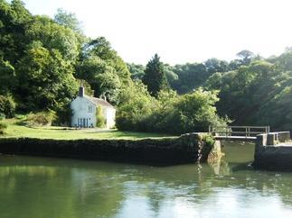 Short Break Holidays - Pont Quay Cottage