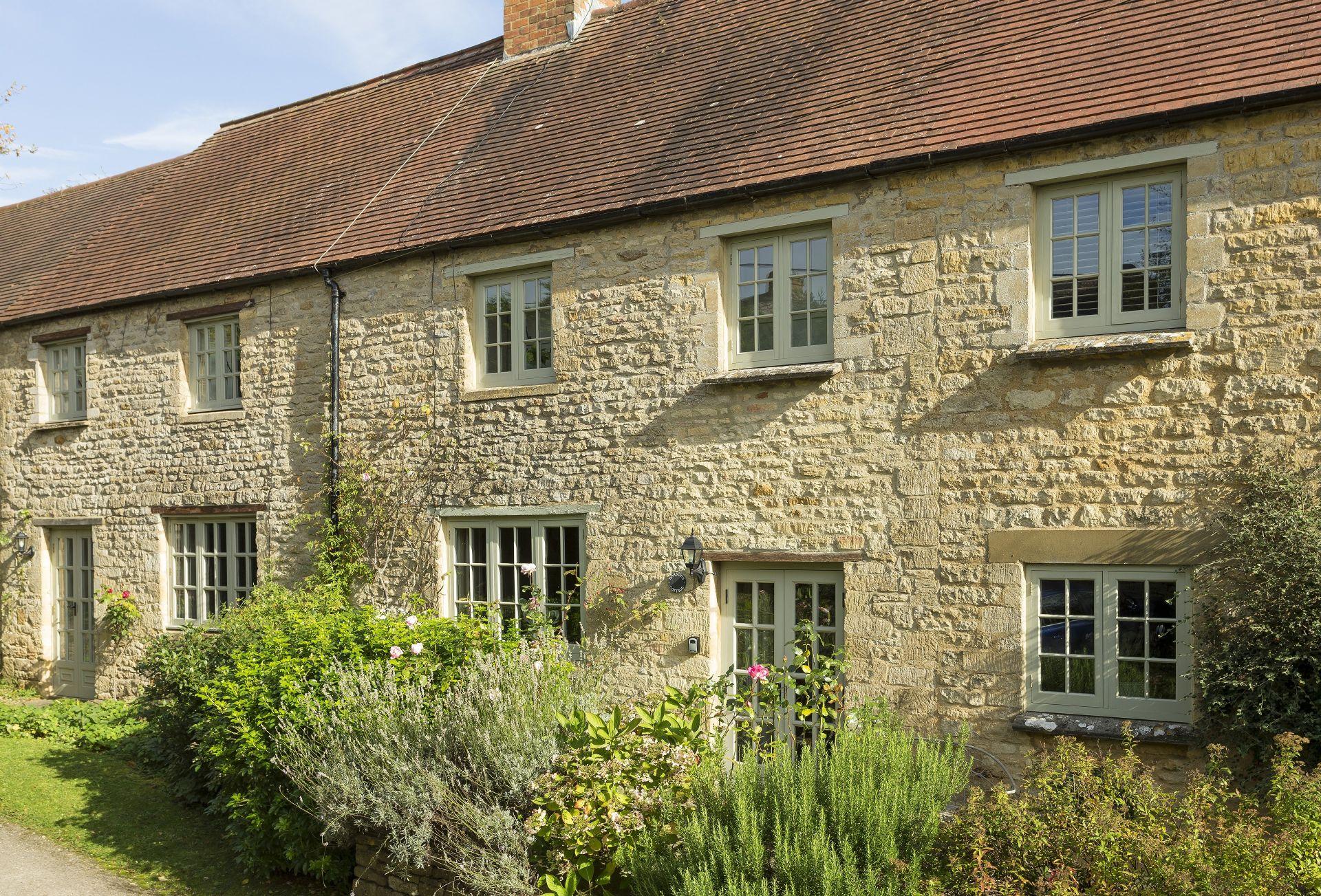 Short Break Holidays - Garsons Cottage