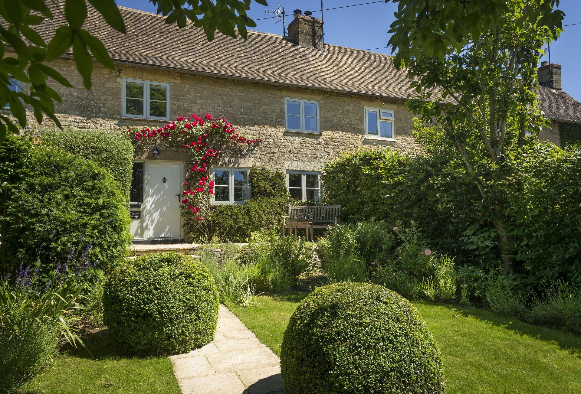 Short Break Holidays - Poppy's Cottage