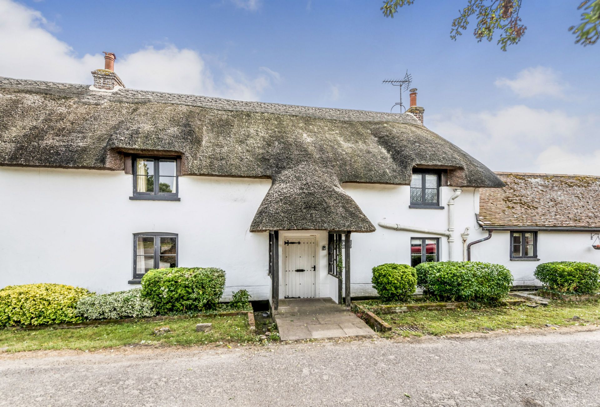 Short Break Holidays - East Burton Farmhouse