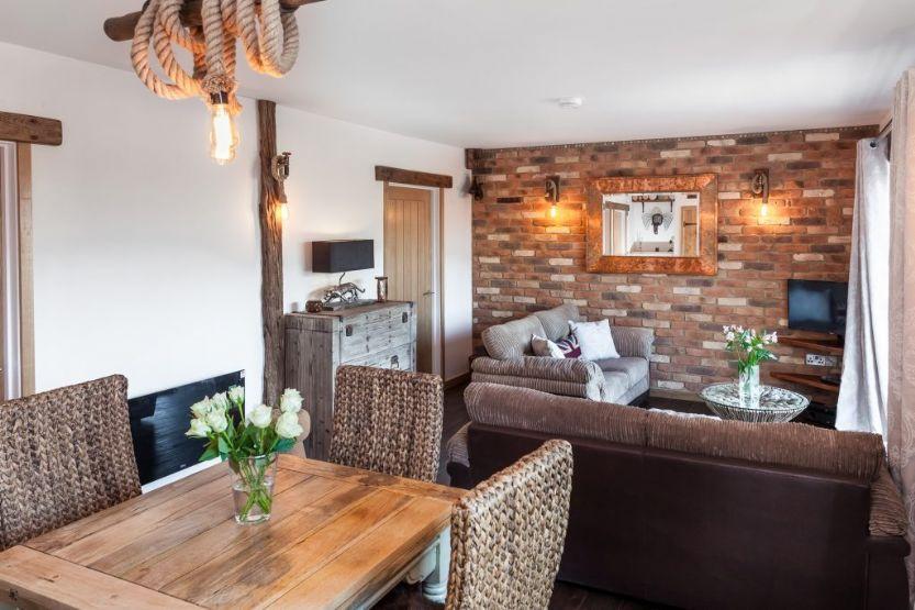 Short Break Holidays - Rose Cottage at Bumbledown