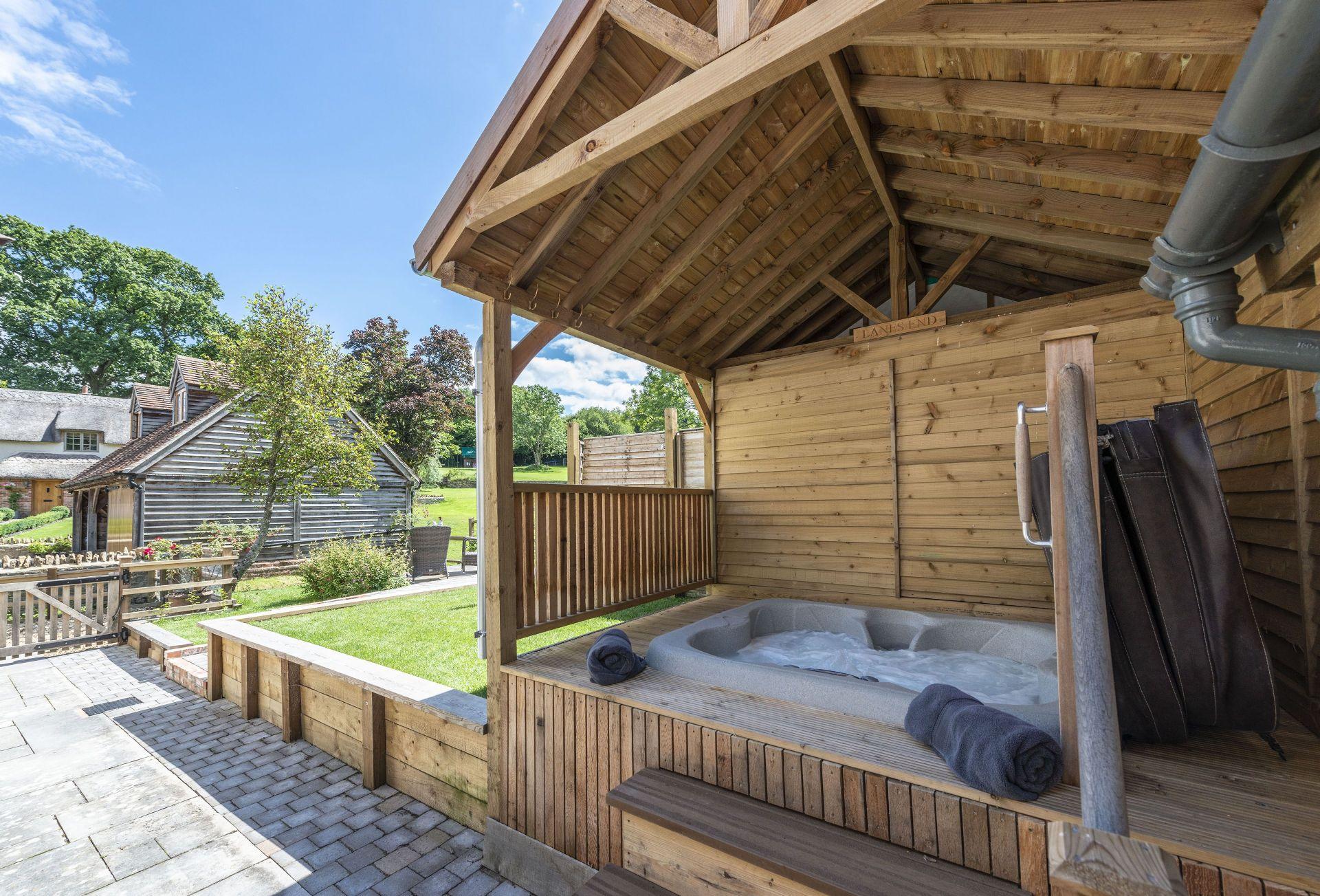 Short Break Holidays - Lanes End Cottage