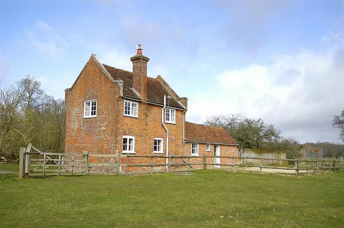 Short Break Holidays - Royden Manor Annexe