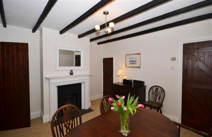 2 Knoll Cottages