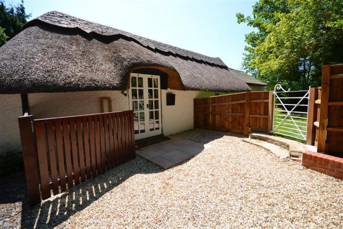 Short Break Holidays - Little Cottage