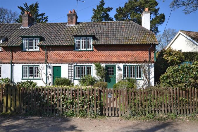 Short Break Holidays - Oak Tree Cottage