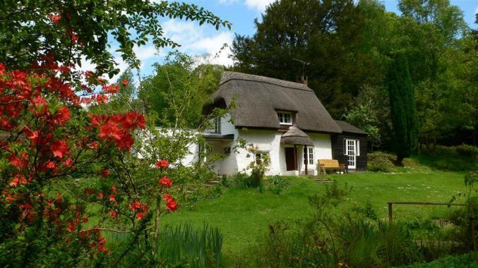 Short Break Holidays - Brook Cottage