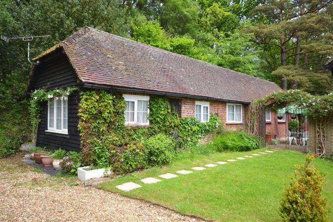 Short Break Holidays - Gorley Firs Cottage