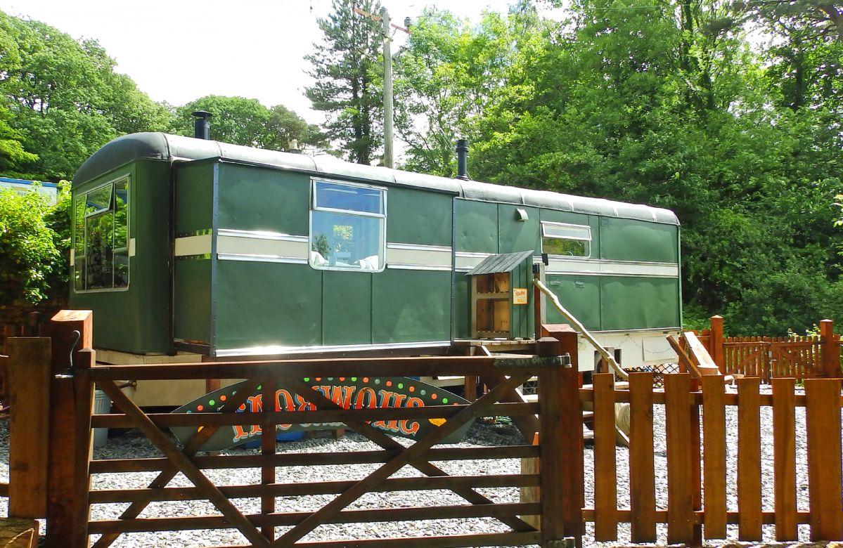 Short Break Holidays - Showman's Wagon