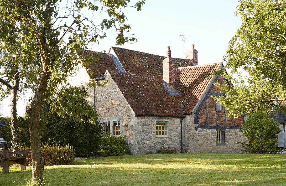 Short Break Holidays - Redbridge Cottage