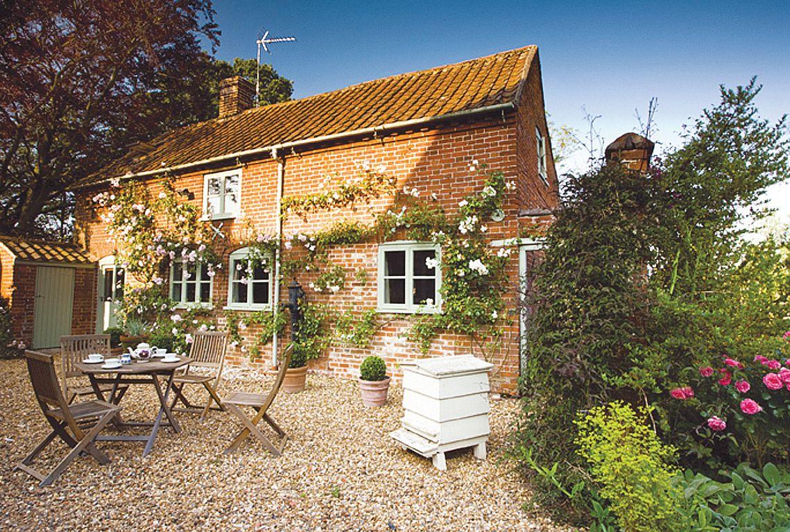 Short Break Holidays - Stockman's Cottage