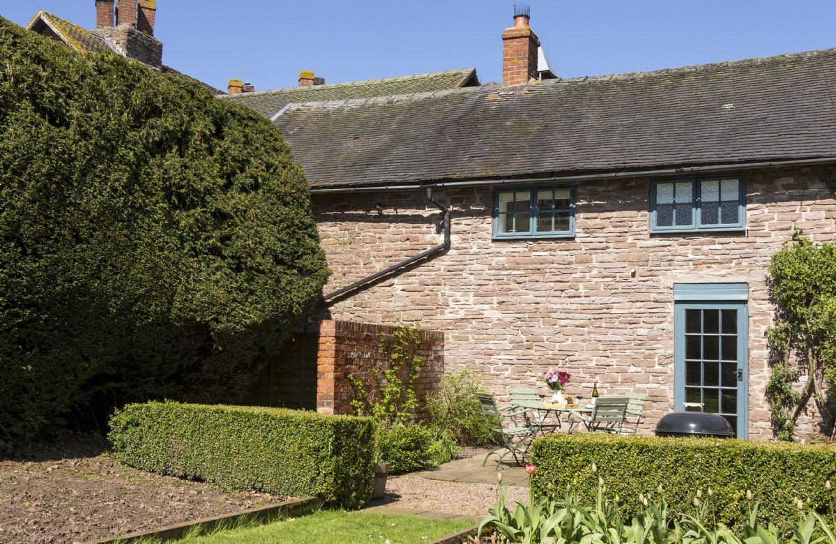 Short Break Holidays - Yewtree Cottage