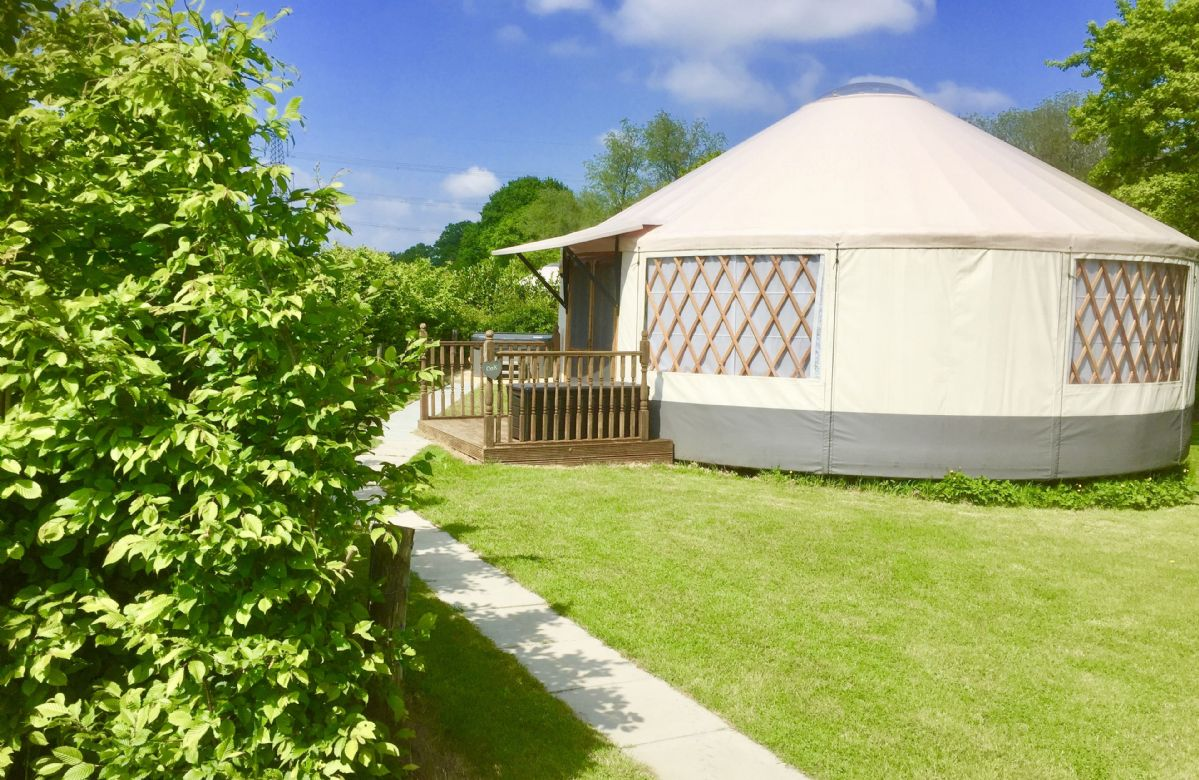 Short Break Holidays - Oak Yurt