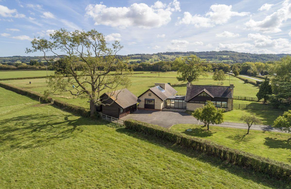 Short Break Holidays - Willersey Farm House