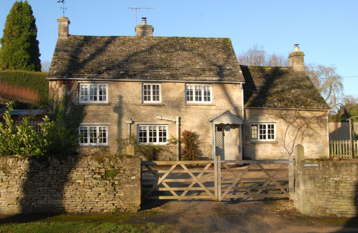 Short Break Holidays - Gardeners Cottage