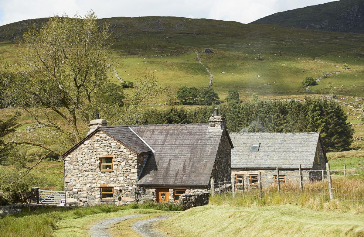 Short Break Holidays - Ty Nant Cottage