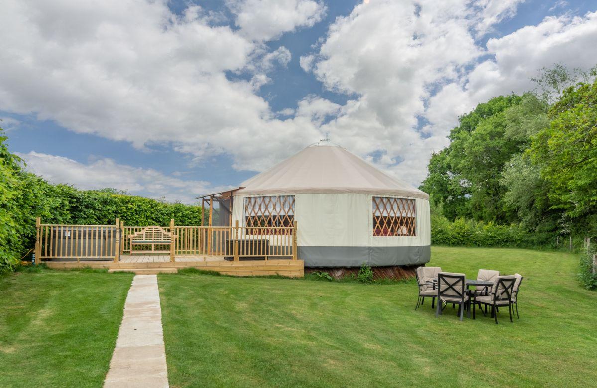 Short Break Holidays - Willow Yurt