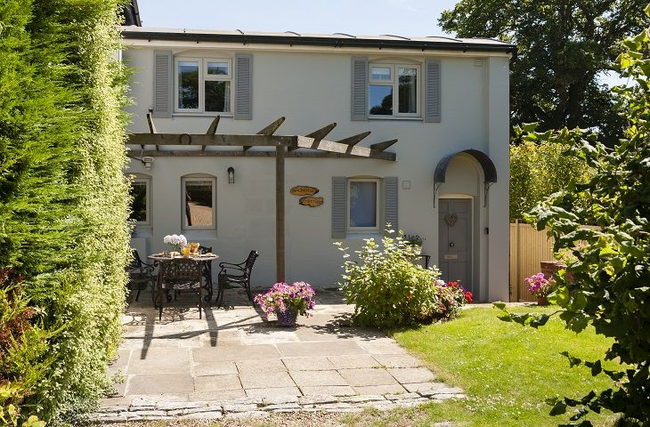 Short Break Holidays - Magnolia Cottage