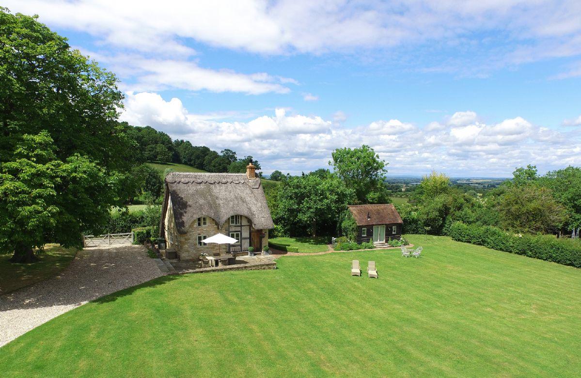 Short Break Holidays - Field Cottage and Garden Room