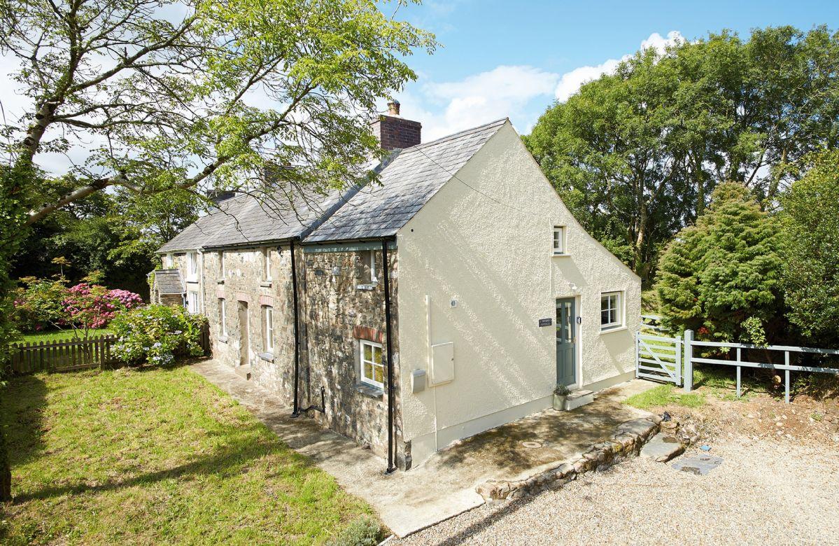 Short Break Holidays - 2 Tregroes Cottage