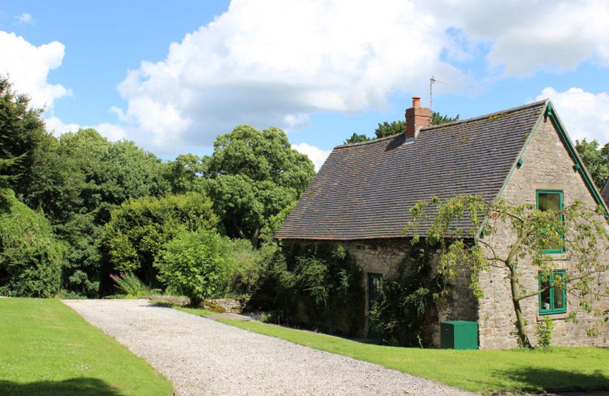 Short Break Holidays - Dovedale Lodge