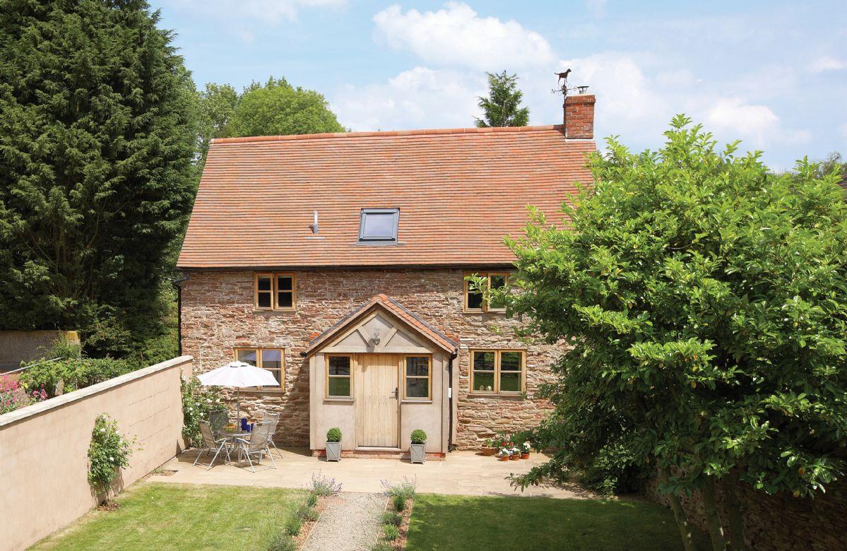 Short Break Holidays - Hampton Wafre Cottage