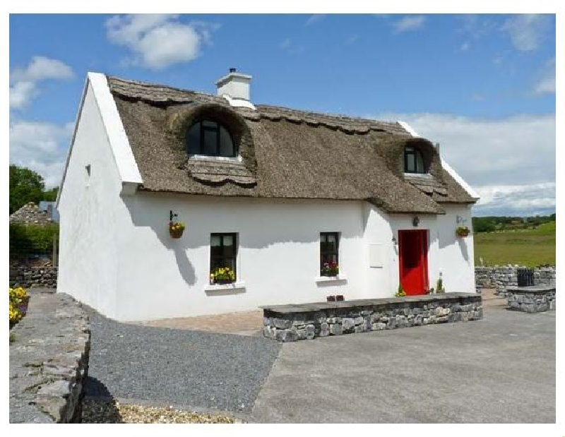 Short Break Holidays - Ballyglass Thatched Cottage