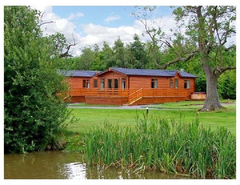 Short Break Holidays - Oak Lodge