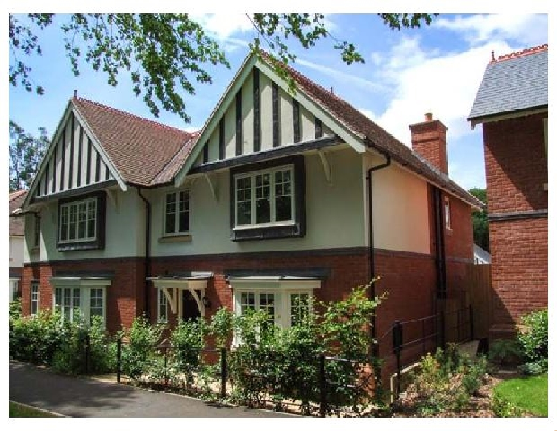 Short Break Holidays - Covent Garden Cottage