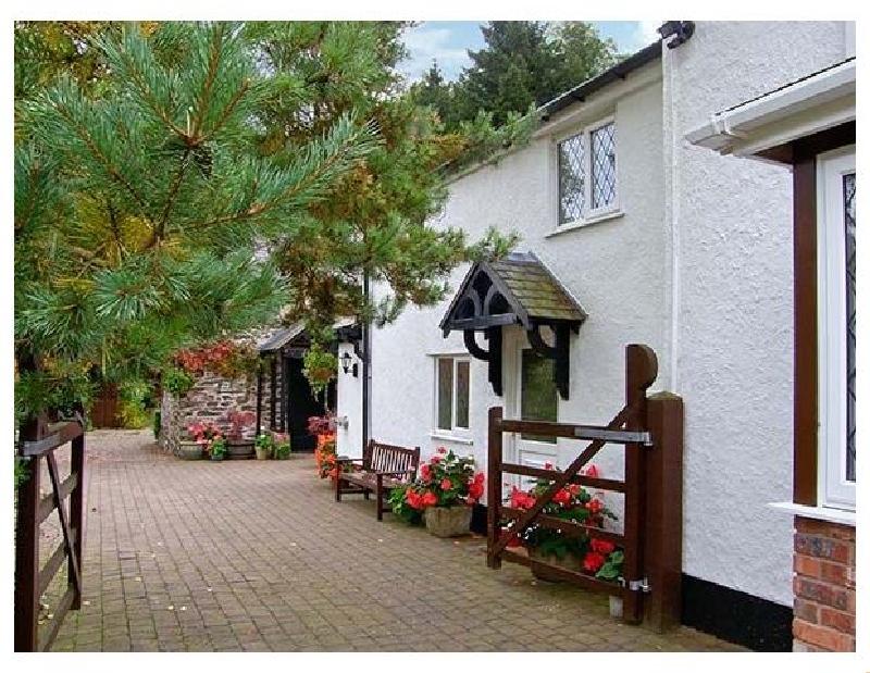 Short Break Holidays - The Little White Cottage