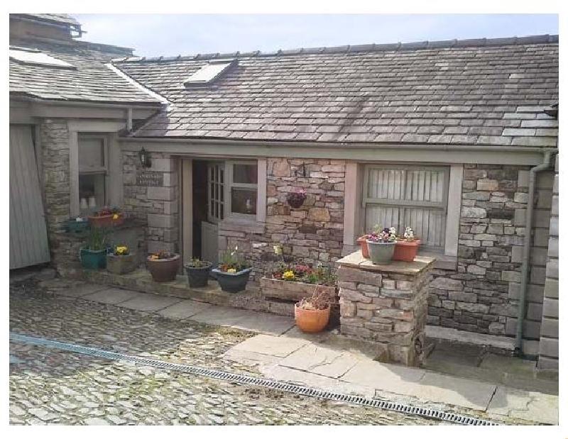 Short Break Holidays - Courtyard Cottage