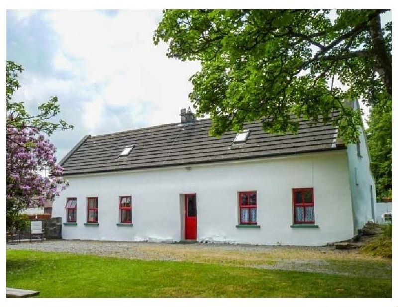 Short Break Holidays - Lough Graney Cottage