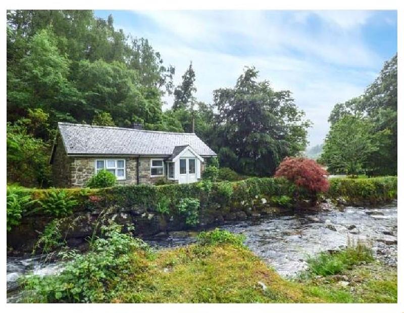 Short Break Holidays - Riverside Cottage