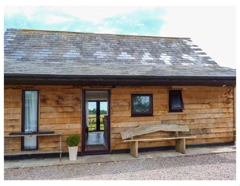 Short Break Holidays - Spitfire Barn