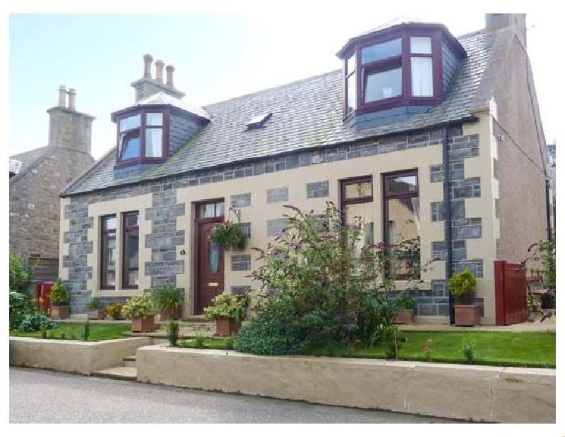 Short Break Holidays - Moray Mirth Cottage