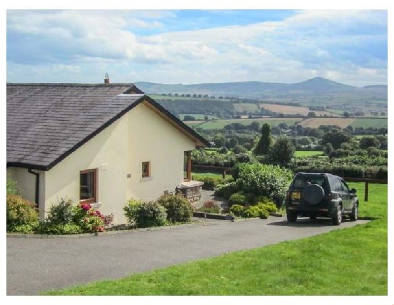 Short Break Holidays - Minmore Farm Cottage