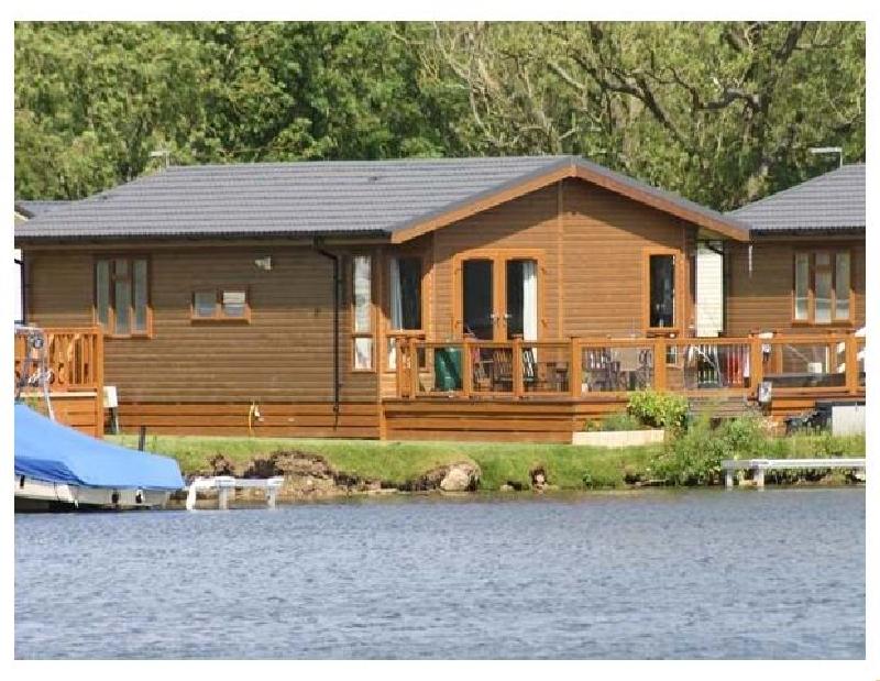 Short Break Holidays - Lakeside Lodge