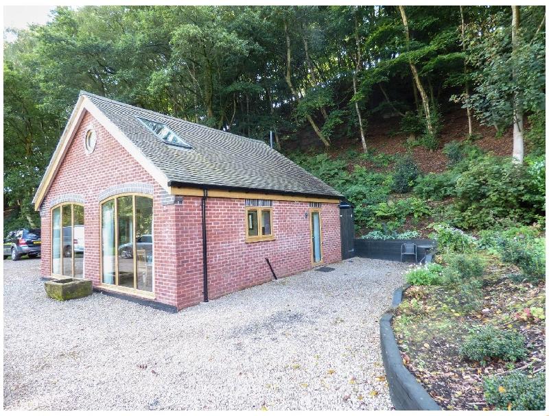 Short Break Holidays - Woodland Cottage
