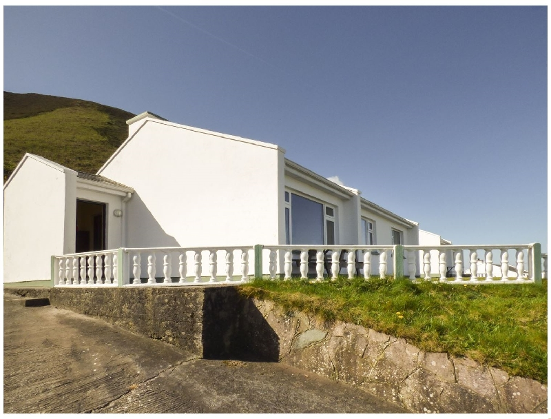 Short Break Holidays - Rossbeigh Beach Cottage No 8