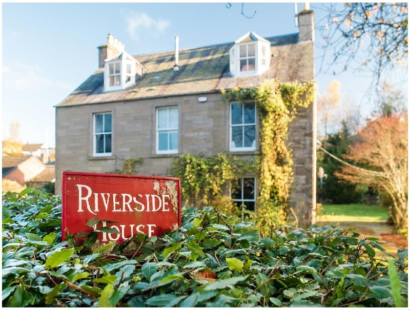 Short Break Holidays - Riverside House