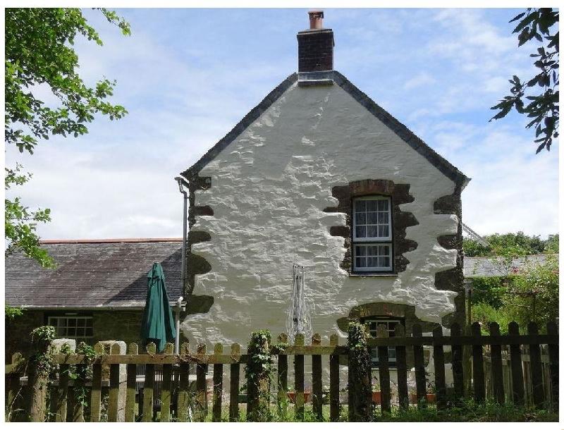Short Break Holidays - Badger Cottage