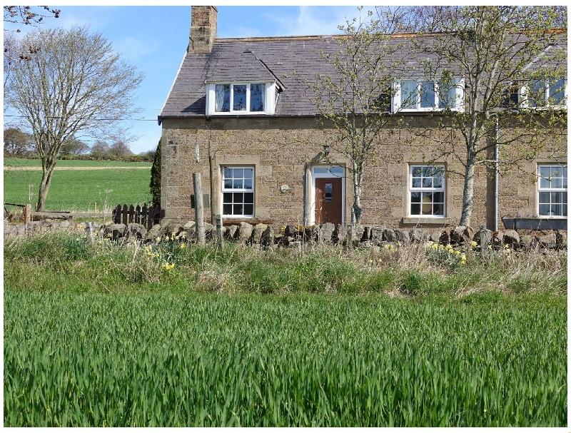 Short Break Holidays - Castle Cottage