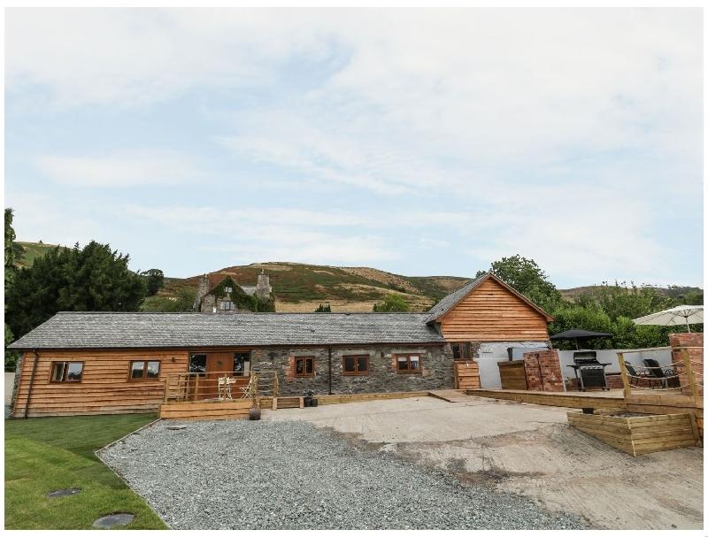 Short Break Holidays - Rhianwen- Plas Moelfre Hall Barns