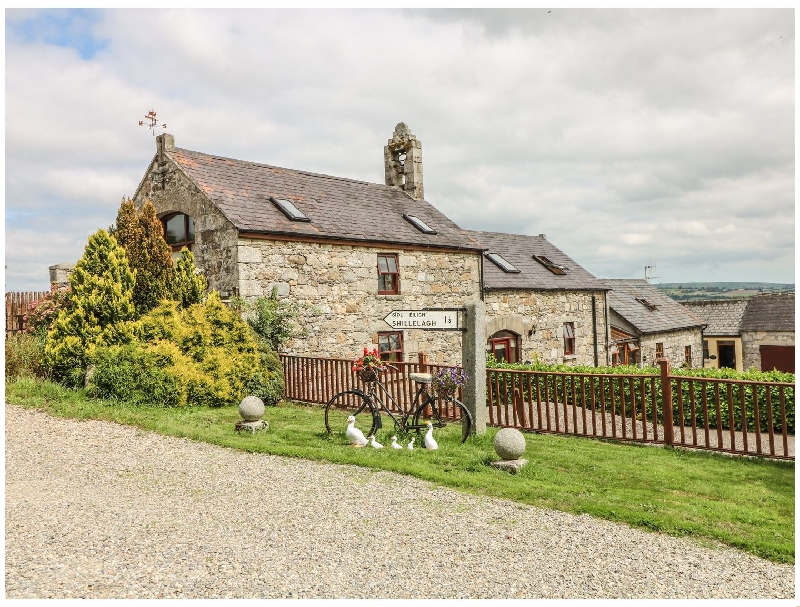 Short Break Holidays - The Barn @ Minmore Mews