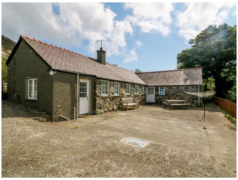 Short Break Holidays - Penlon Cottage