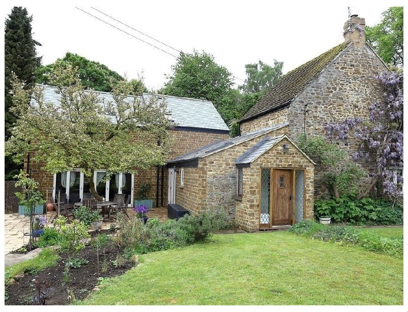 Short Break Holidays - Gladstone Cottage