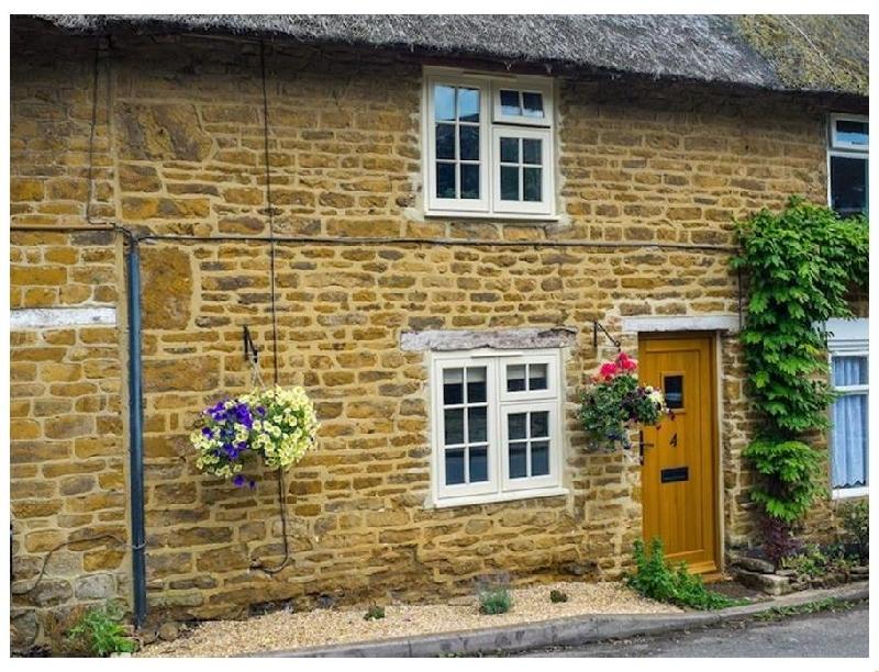 Short Break Holidays - Hooky Cottage