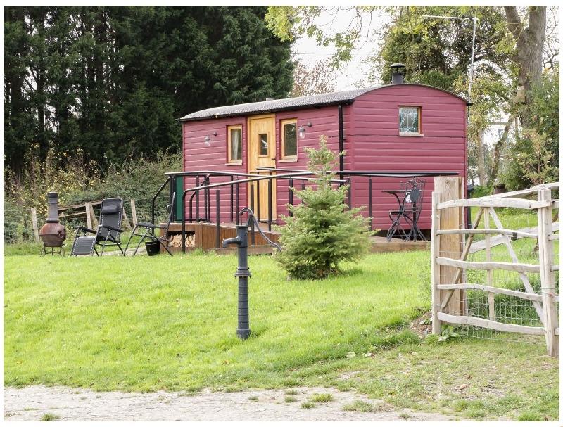 Short Break Holidays - The Shire Hut