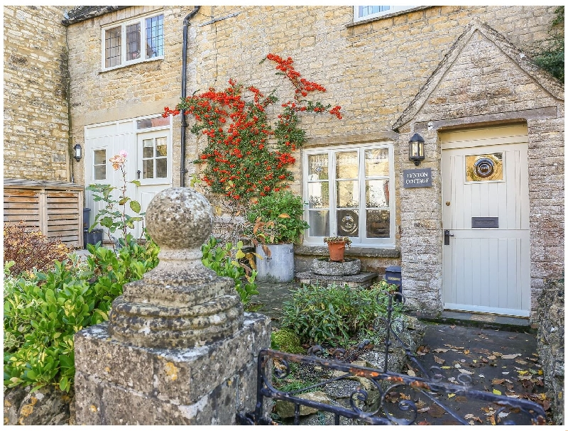 Short Break Holidays - Lynton Cottage